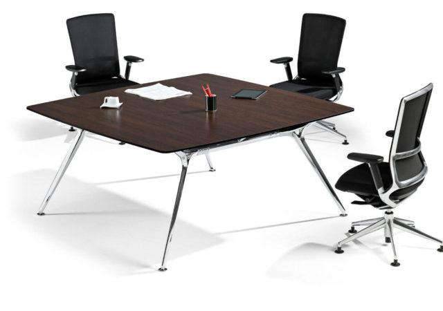Kvadratna konferenčna miza Arkitek