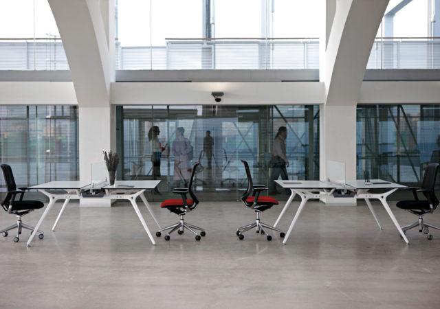 Dvojna pisalna miza Arkitek