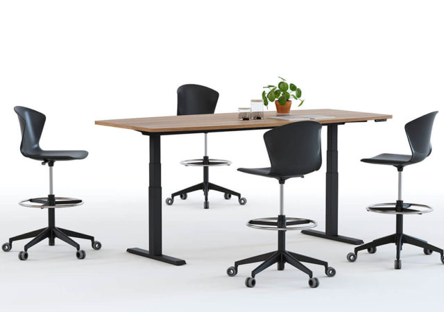 Dvižna miza Mobility s stoli Whass