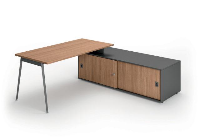 Pisalna miza X3 z regalom
