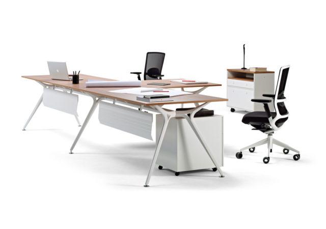 Pisalna miza Arkitek