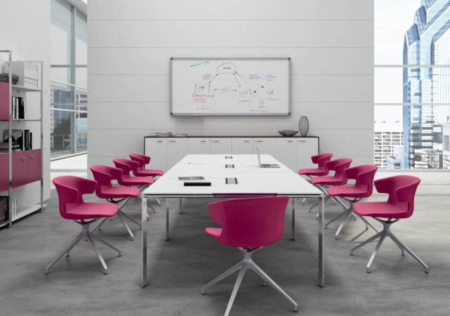 Konferenčna miza X4 s kromiranim podnožjem
