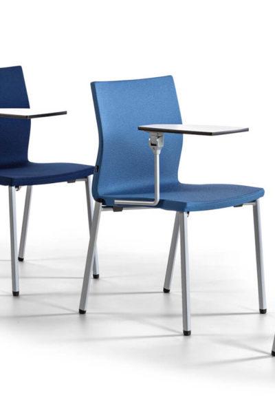 Konferenčni stoli Uma s poličko