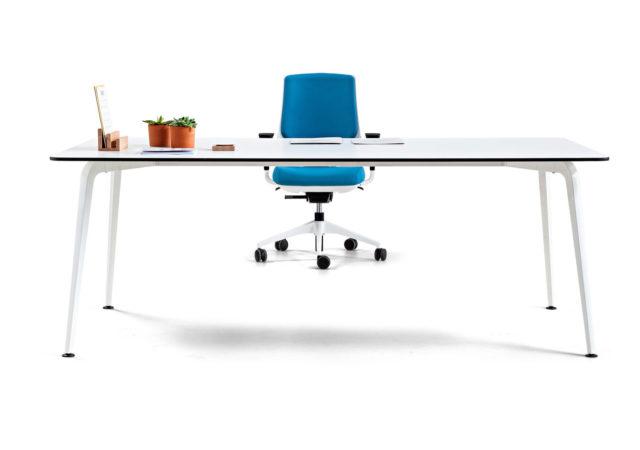 Pisarniške mize Twist