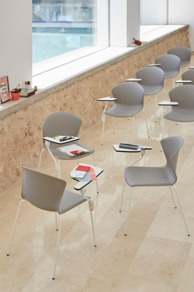 Konferenčni stoli Whass s poličko